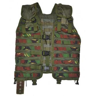 Тактическа жилетка от армията на Дания , '' уудланд-камо'' , система '' МОЛЛЕ''.
