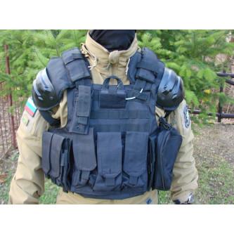 """Тактическа жилетка , модел ,  """"Combat"""", цвят черен ."""